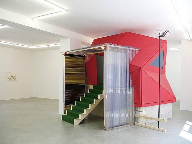 Rural Studio (dobbelpunkt) Lucy House Tornado Shelter, 2007 by Marjetica Potr.