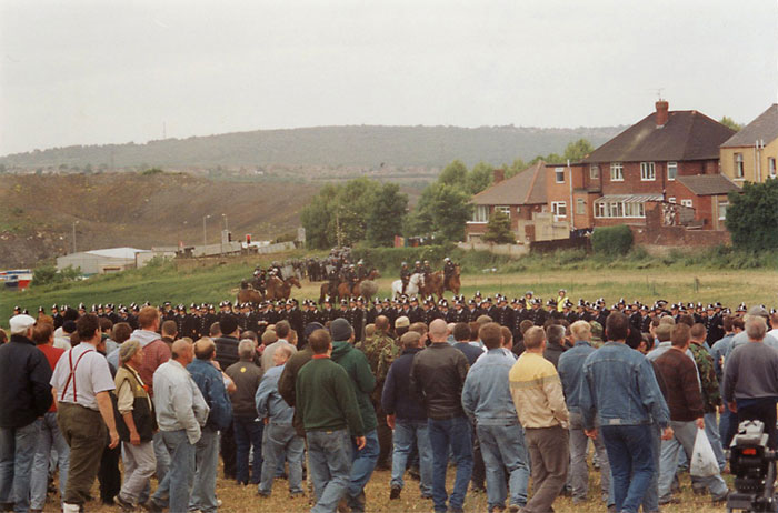 http://www.vvork.com/wp-content/uploads/2011/08/battle_of_orgreave_013_1.jpg